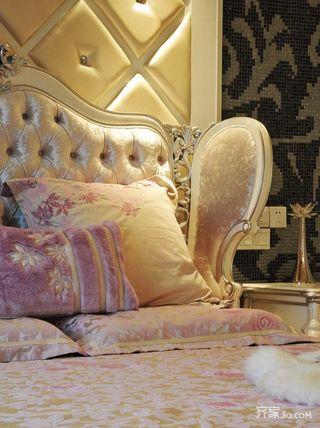 欧式豪华别墅装修床头软包图片