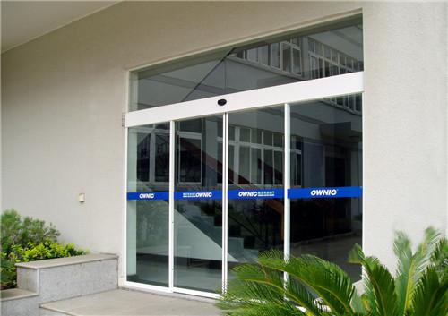 日常使用玻璃自動門注意玻璃自動門有什么優點防火門鎖事項