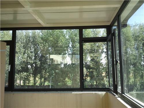 塑料门窗每平方米价格原木门十牌塑料门窗好不好?
