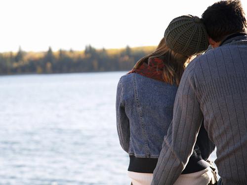 已婚男人喜欢你的举动 你身边有这样一个人吗
