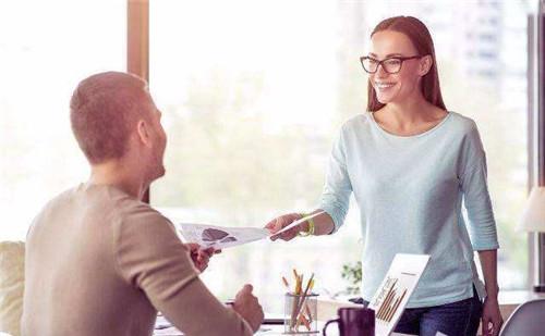 已婚男人默默喜欢你 五种处理方法
