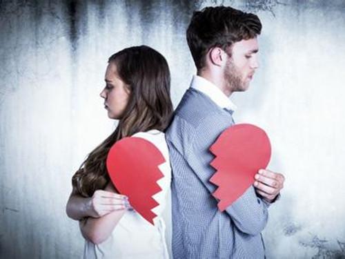 婚姻走到尽头的表现 哪些行为证明他已经变心了