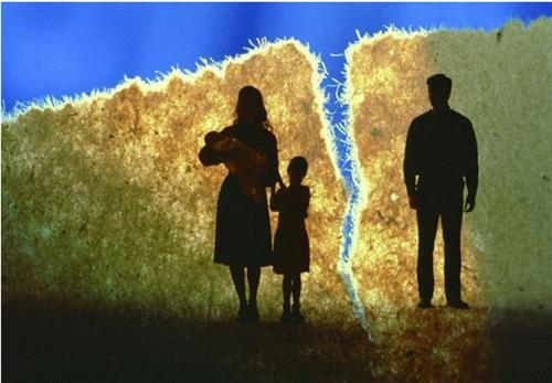 女方提出离婚的后果  女方的离婚请求男方不同意怎么办