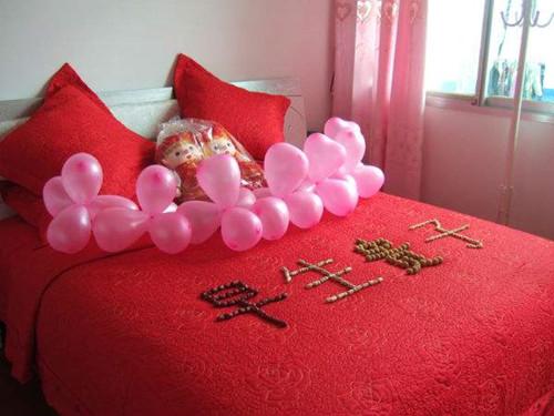 已婚的床是什么时候,关柜门铺结婚床的人有什么讲究呢