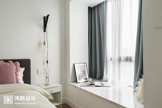 85㎡北欧风两居装修飘窗设计