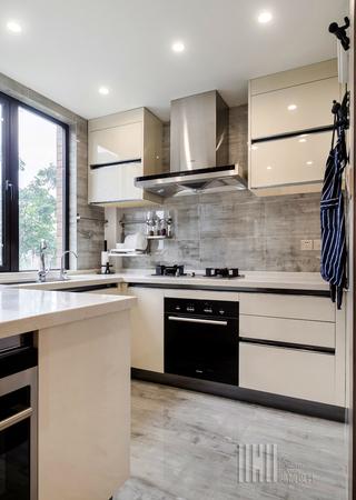 港式风格两居装修厨房构造图