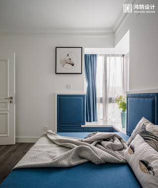 110平美式风格三居室装修飘窗设计