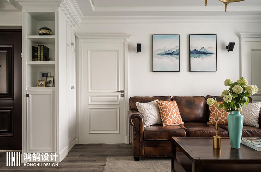 110平美式风格三居室装修隐形门设计