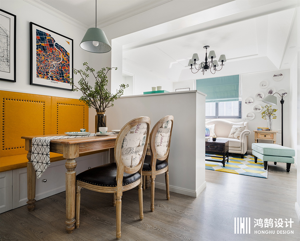 70平美式风装修餐桌椅图片