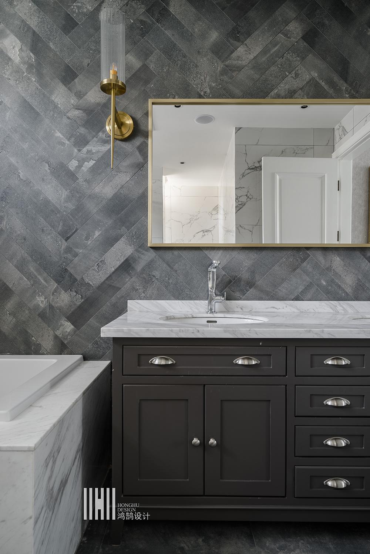 新美式别墅装修浴室柜图片