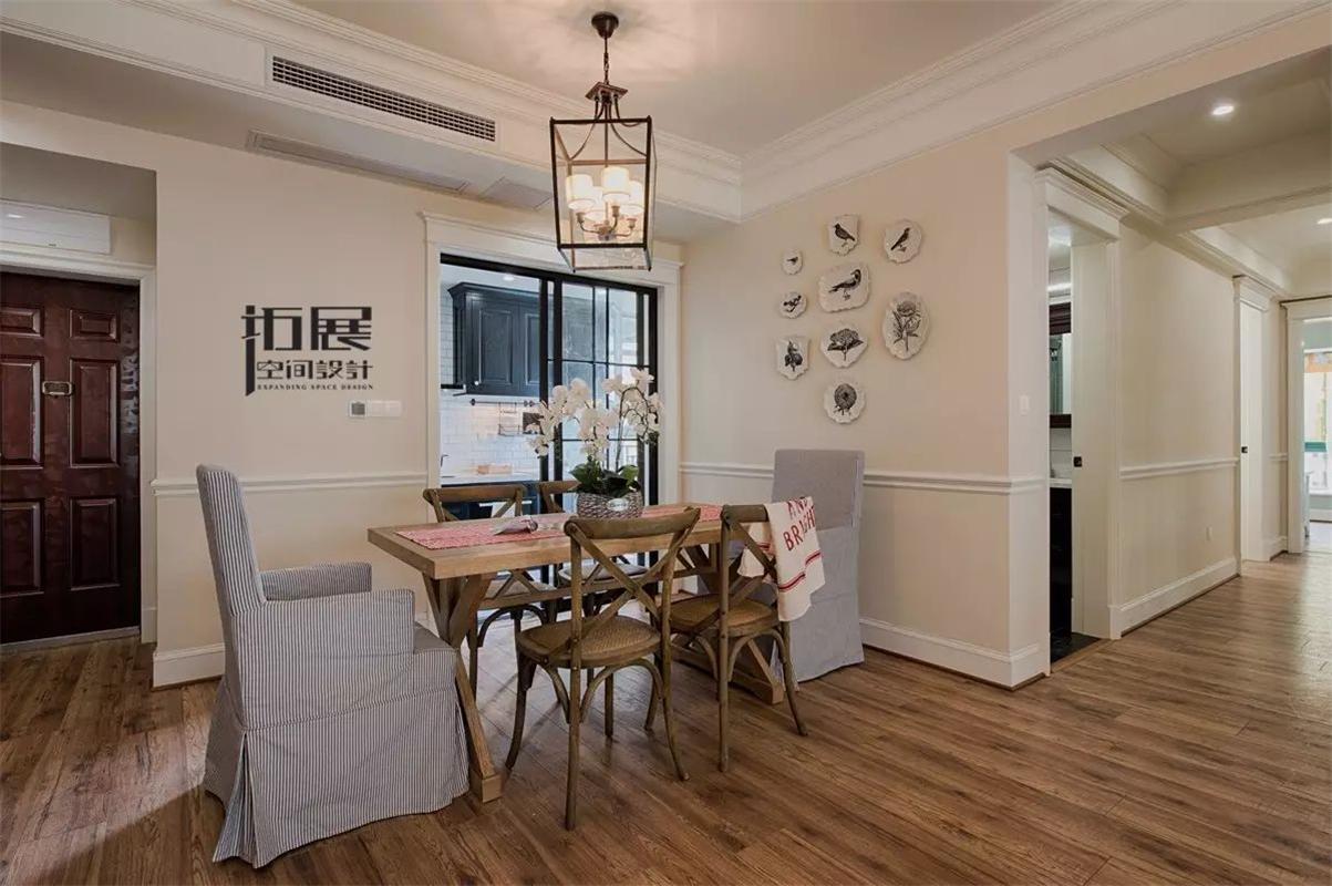 125平美法混搭风格装修餐厅背景墙设计效果图
