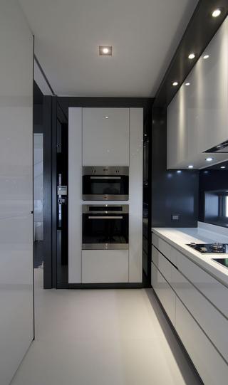 现代风格复式别墅装修厨房效果图