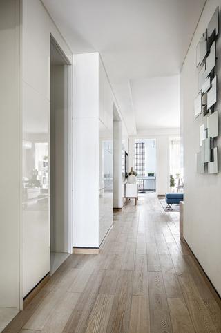 现代风格二居室装修玄关过道