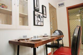 85㎡现代风格二居室装修餐桌椅图片