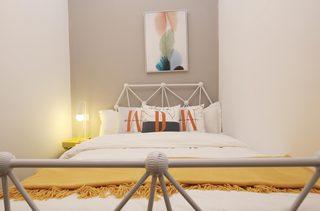 小户型北欧简约风格装修床头背景墙图片