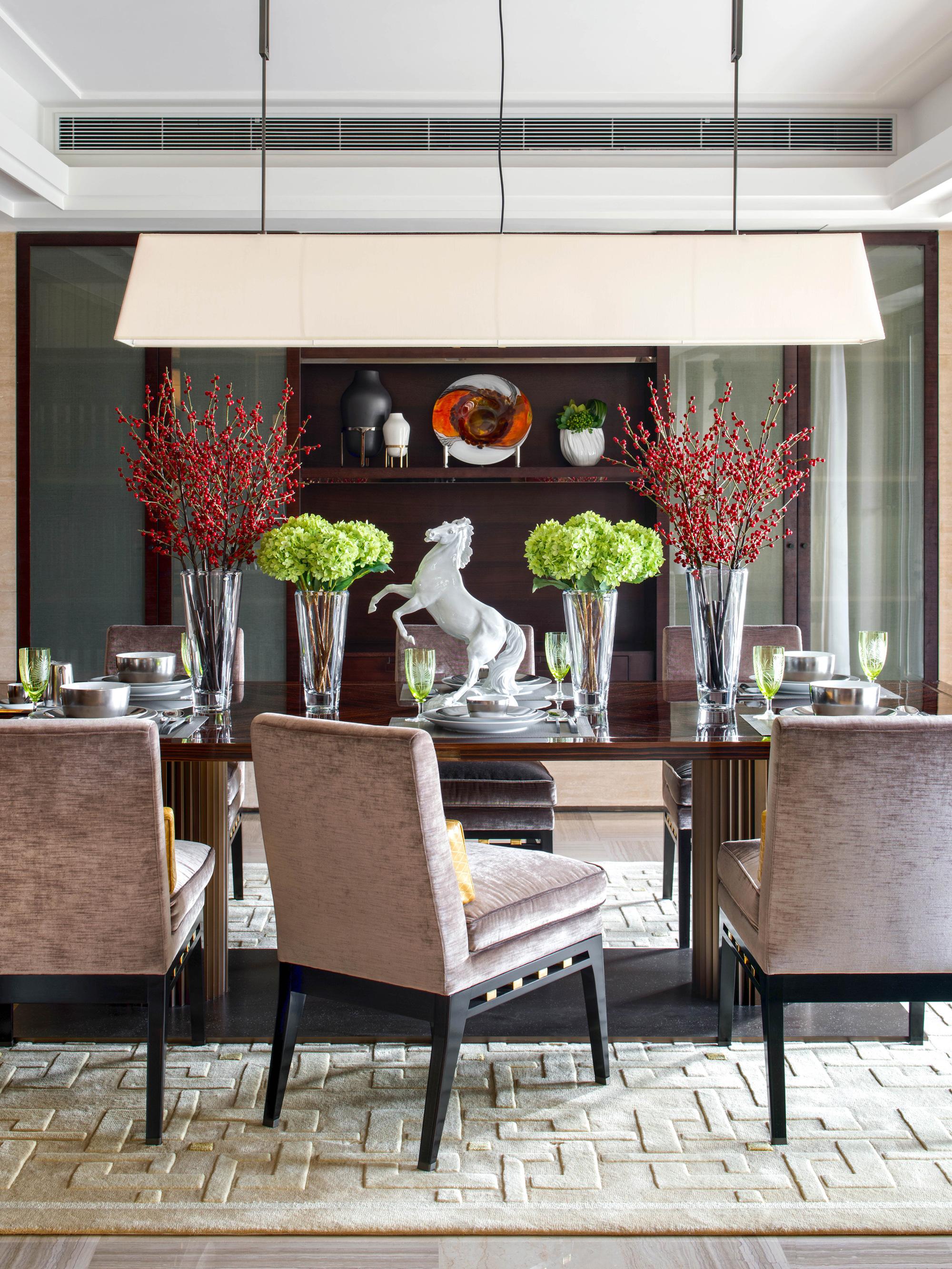 大户型新中式四居装修餐桌装饰摆件图片