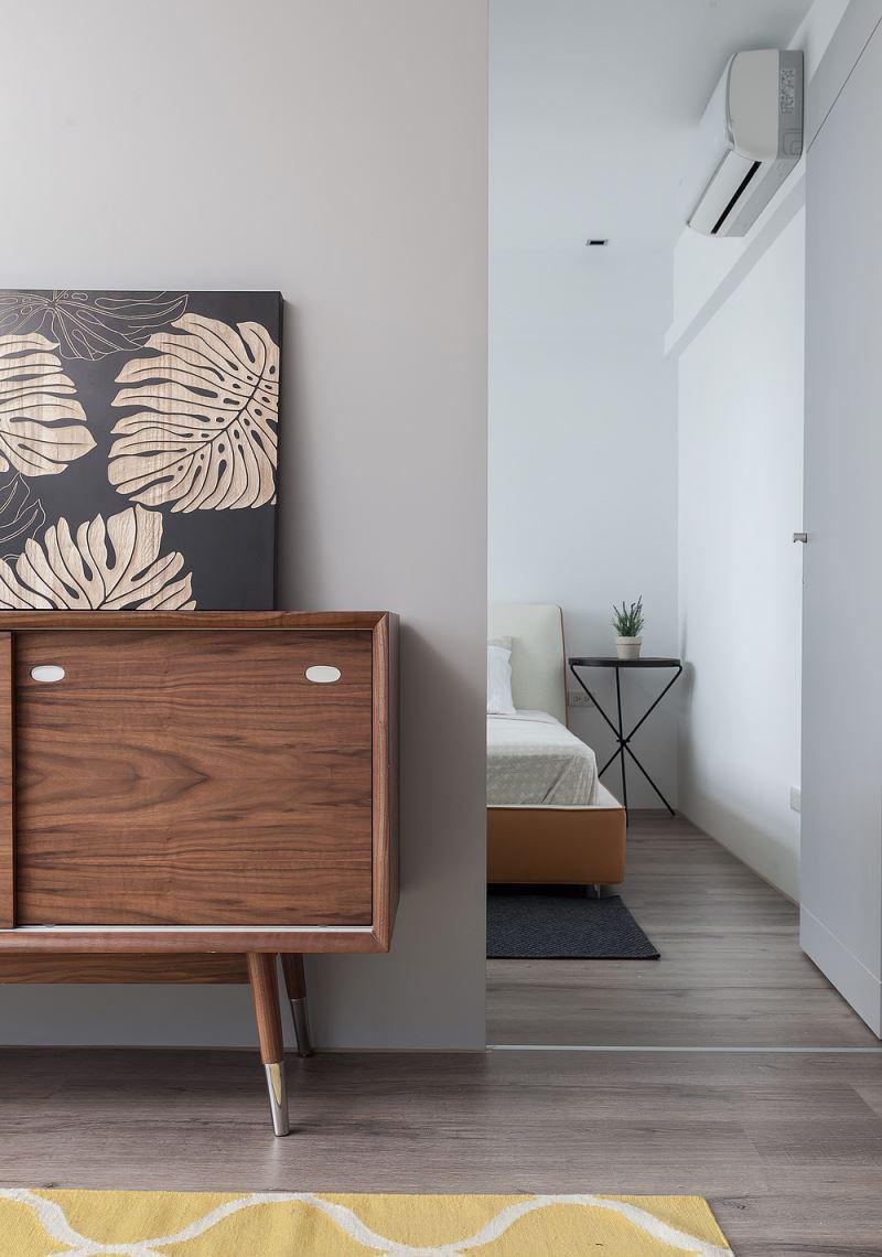 小户型简约风二居室装修电视柜设计图
