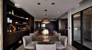 165平三居室公寓装修餐桌椅设计图