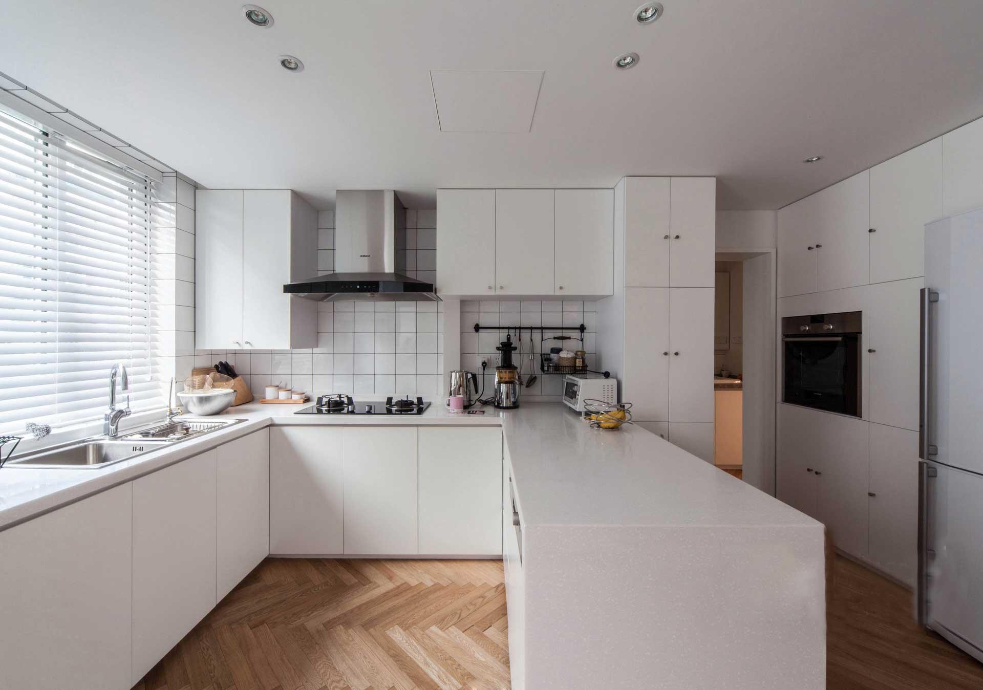 135平北欧风格三居厨房装修效果图