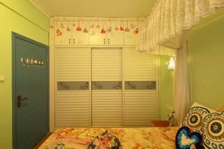 地中海风格二居室装修衣柜效果图