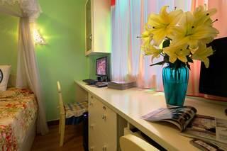 地中海风格二居室装修卧室一角