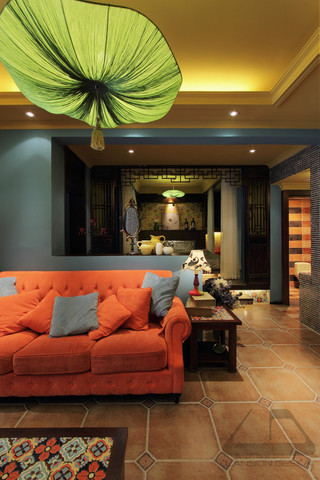 东南亚风格二居室装修沙发布置图