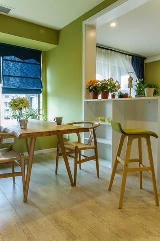100平北欧风三居装修餐桌椅设计图