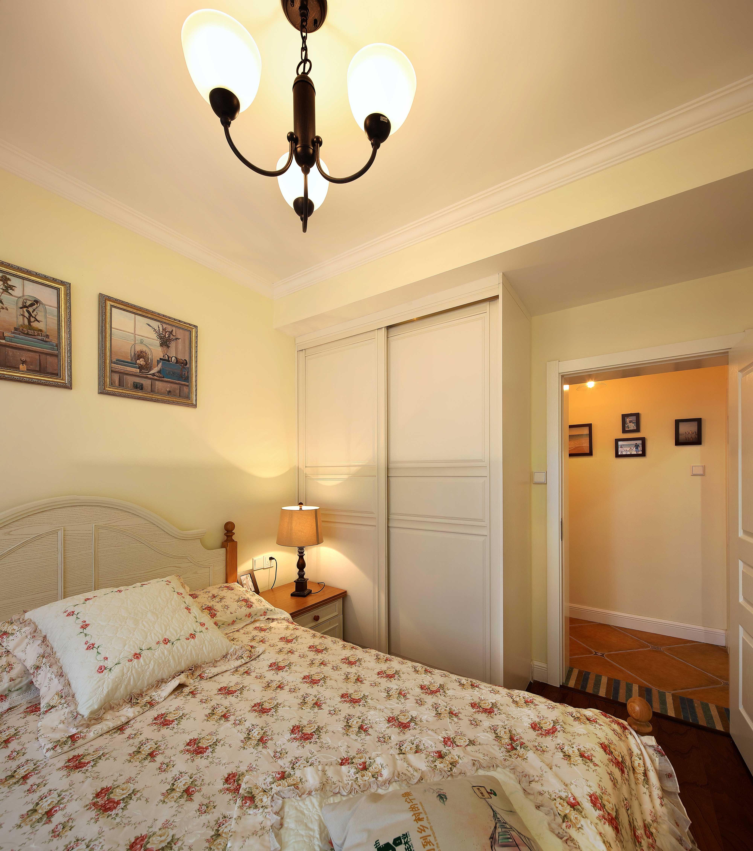 130平美式乡村风格装修卧室背景墙设计图