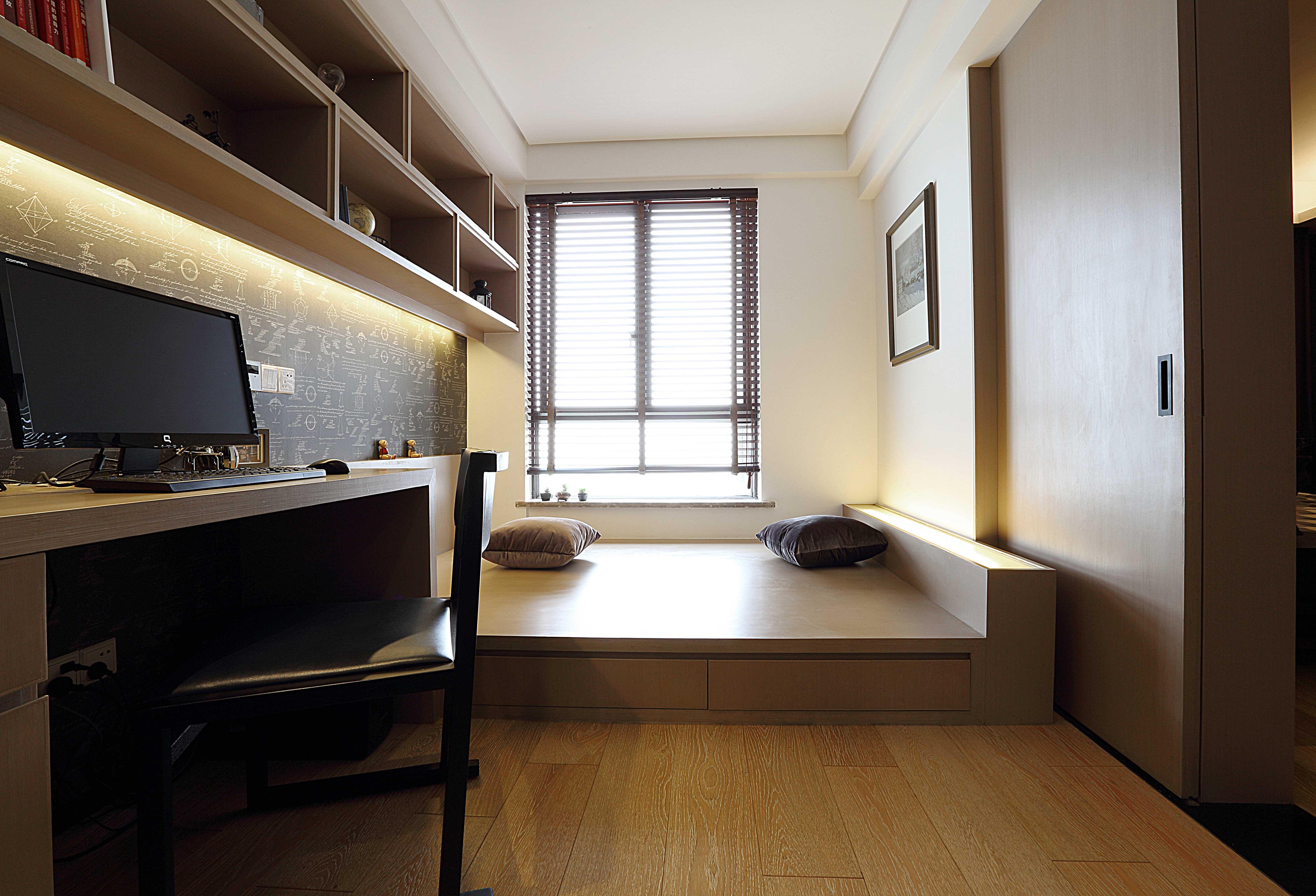 166平现代时尚三居书房装修效果图