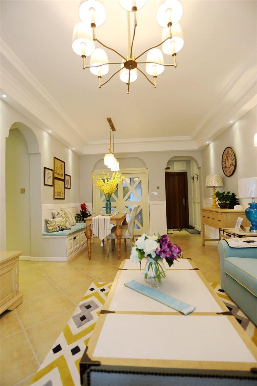美式混搭风二居装修客厅吊灯设计图