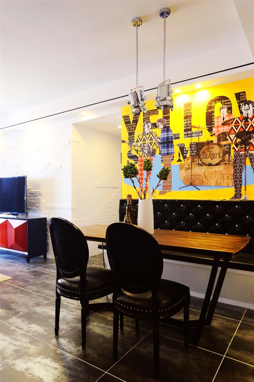95平混搭风格三居装修餐厅背景墙设计图