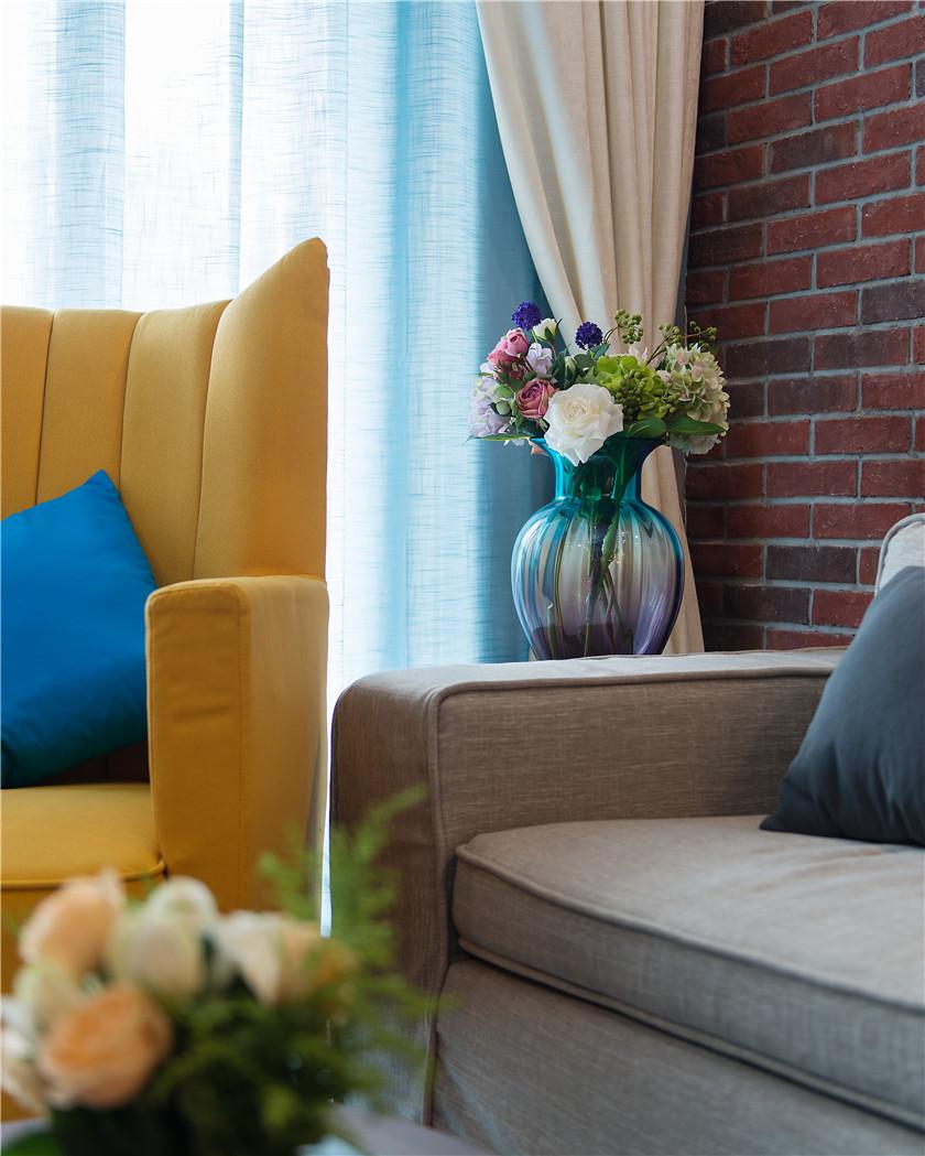 90㎡时尚混搭风二居装修客厅小景