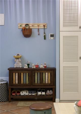 美?#20132;?#25645;风格二居室装修鞋柜设计图