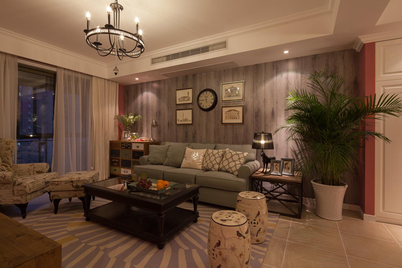 130平美式混搭沙发背景墙装修效果图