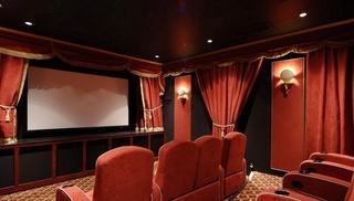 红色私人影院装修效果图