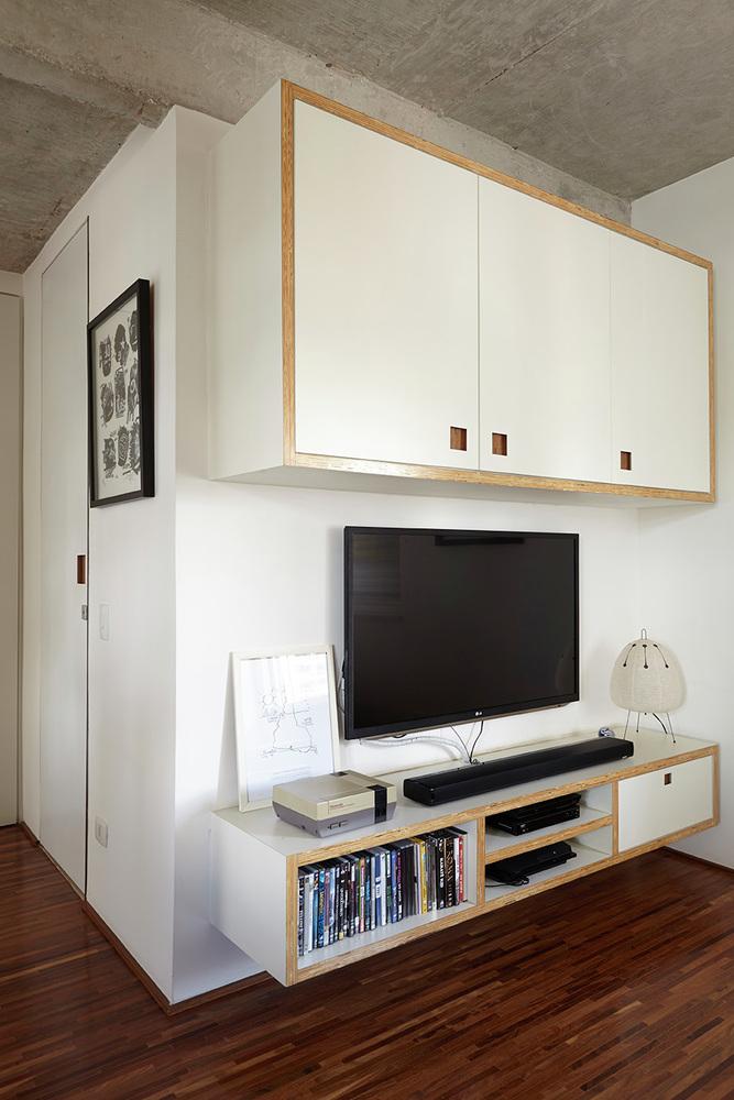 工业风格一居室装修电视背景墙设计图