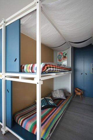 40㎡小户型公寓装修卧室双层床设计