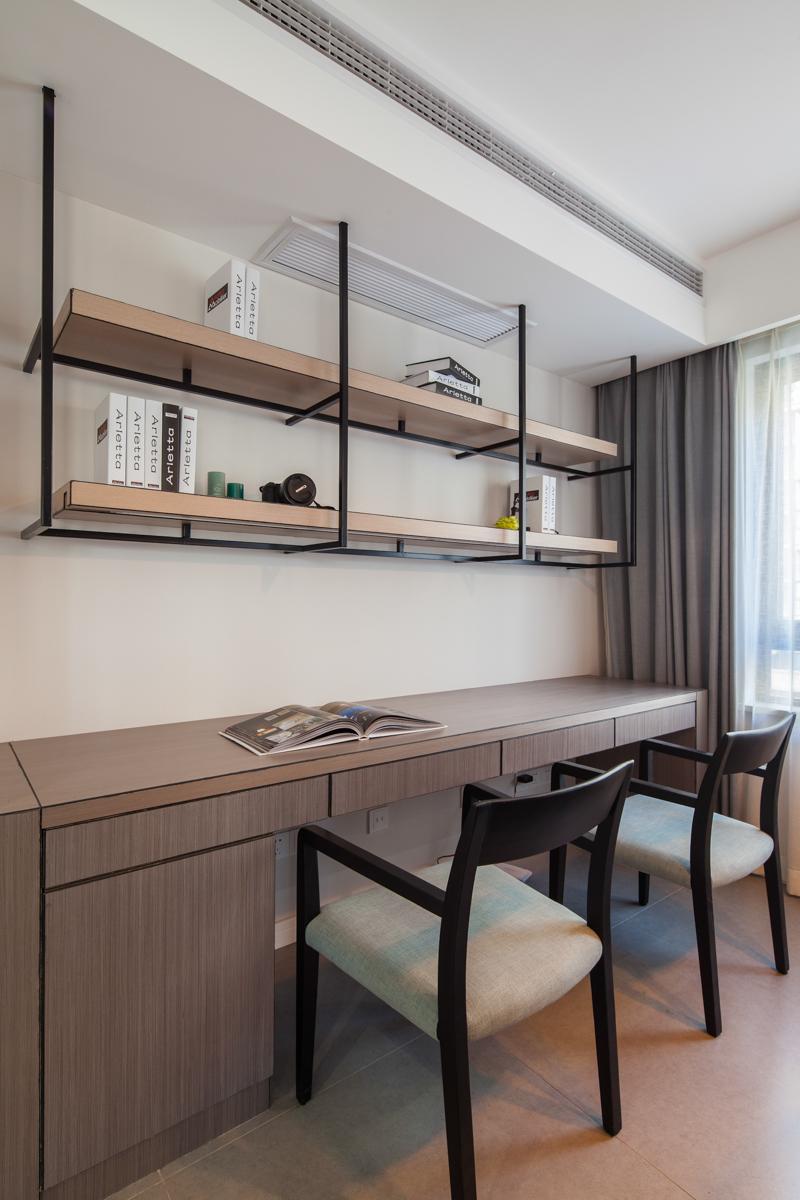 90平现代简约风格装修书桌设计图