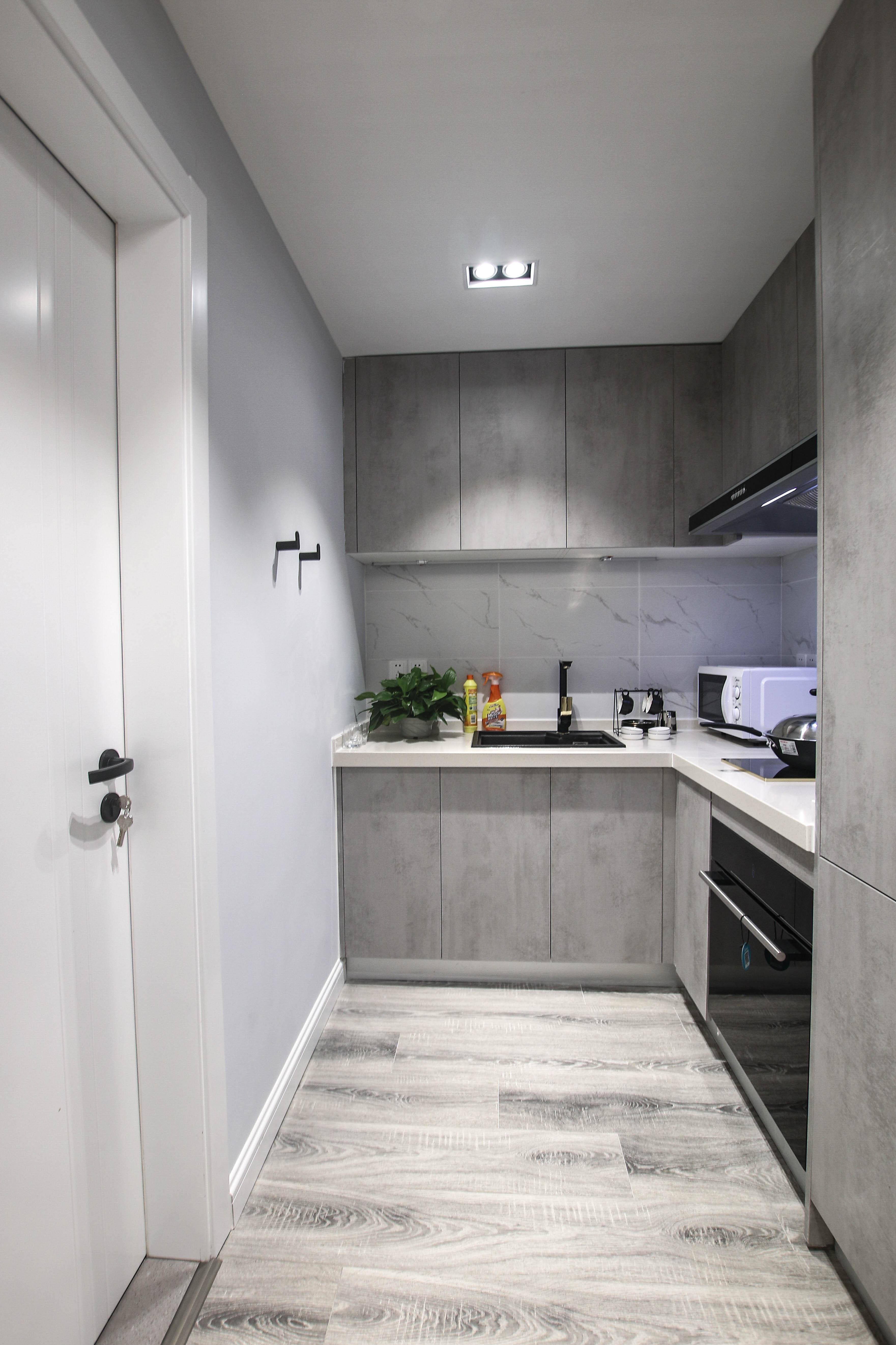 现代轻奢一居室厨房装修效果图