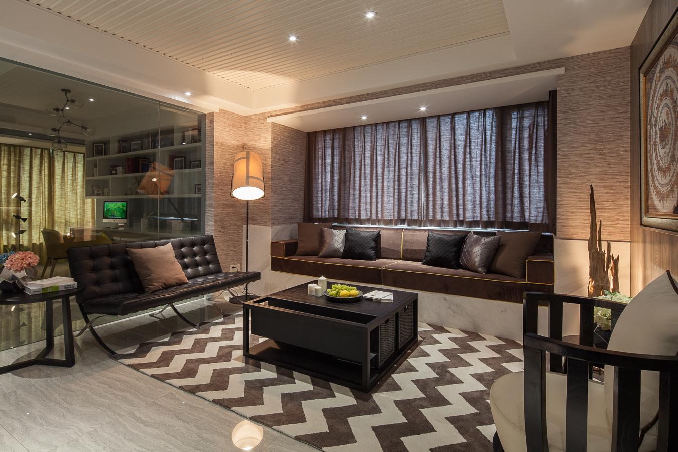 145平现代风格三居装修客厅飘窗效果图