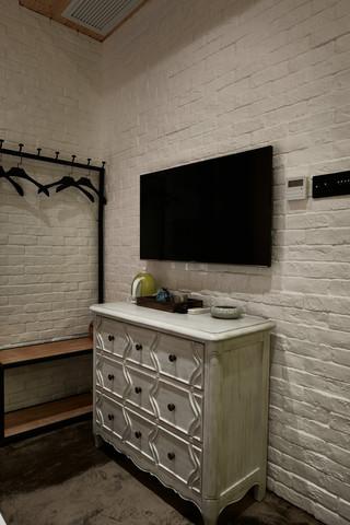 大户型复古风公寓电视背景墙装修效果图