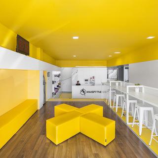 活力黄色系健身房每日首存送20