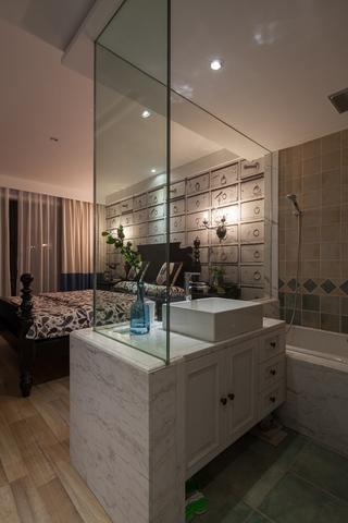 美式混搭三居室装修玻璃隔断效果图