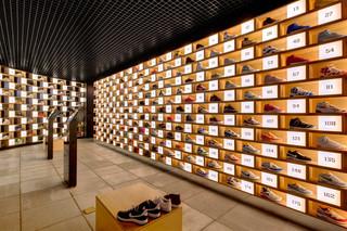 鞋店装修设计图
