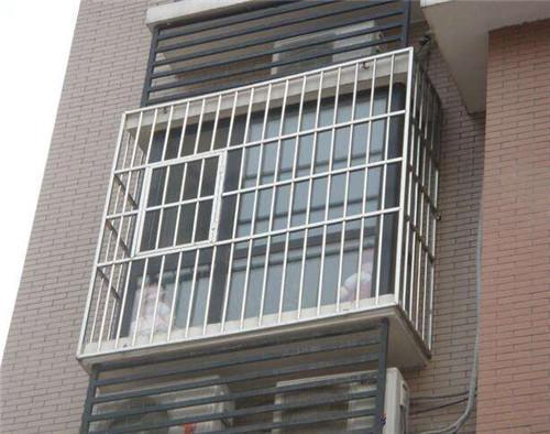 高层防盗窗的款式图片 常见五种防盗窗盘点