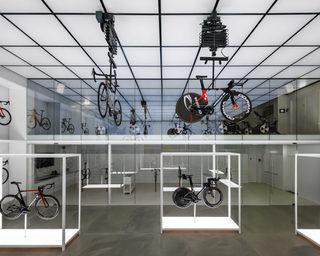 高端自行车店面设计图