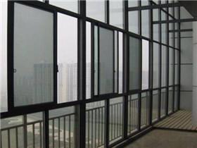 阳台平开窗装修好吗 平开窗和推拉窗哪个好
