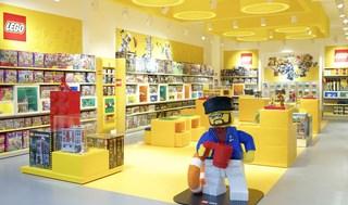 黄色活力玩具店装修效果图