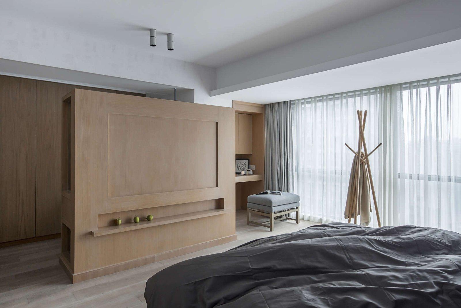 现代简约风格卧室隔断装修效果图
