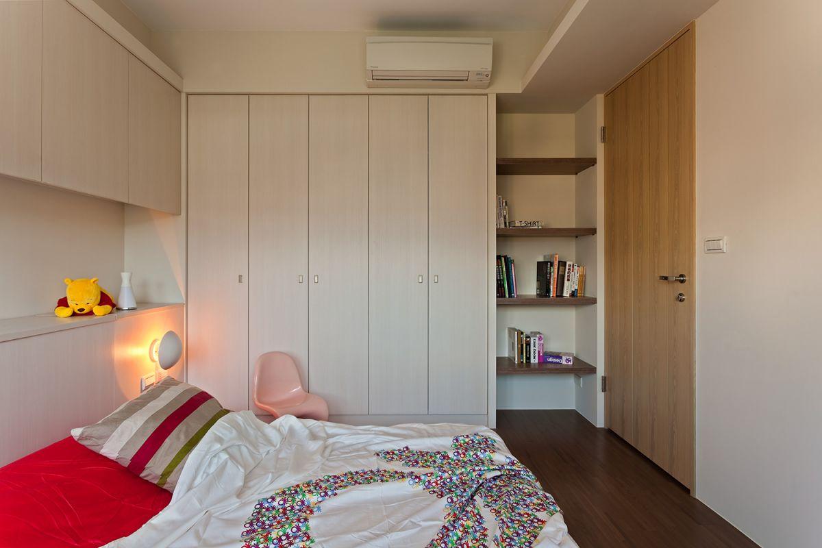 125㎡现代风格卧室衣柜装修效果图